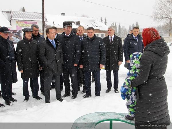 Дмитрий Медведев в Алтайском крае Фото:altairegion22.ru